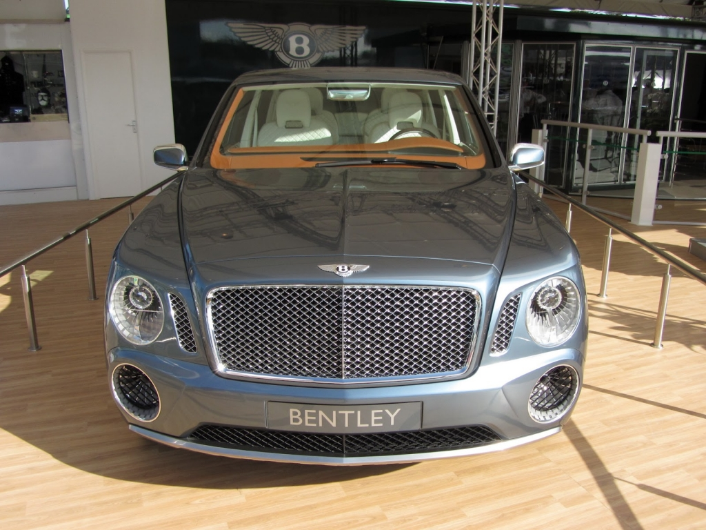 Bentley SUV EXP9F