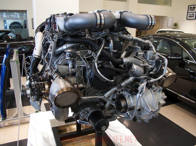 bugatti veyron w16 engine and gearbox at hr owen london bugatti veyron w12 engine 03