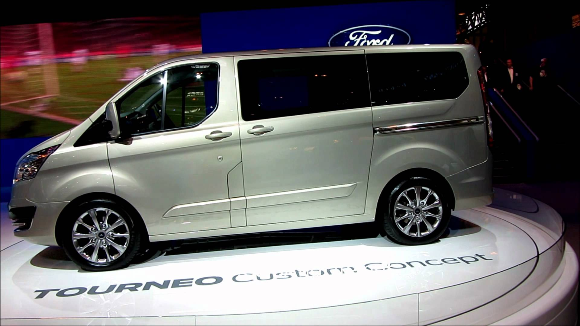 new ford tourneo and transit cars life cars fashion. Black Bedroom Furniture Sets. Home Design Ideas