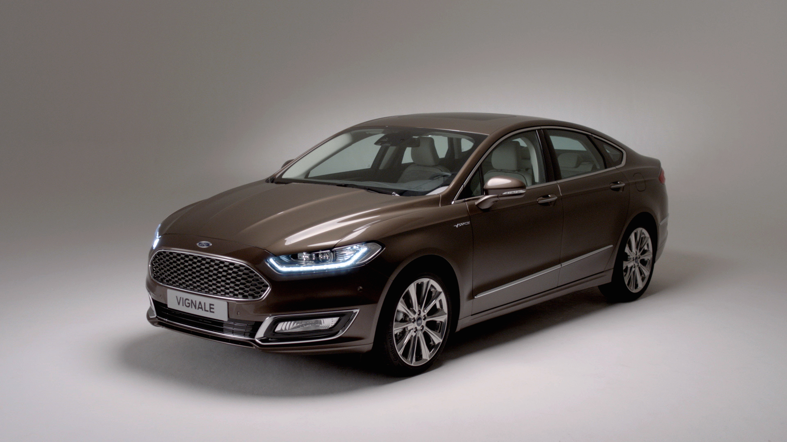 ford mondeo vignale luxury ford. Black Bedroom Furniture Sets. Home Design Ideas