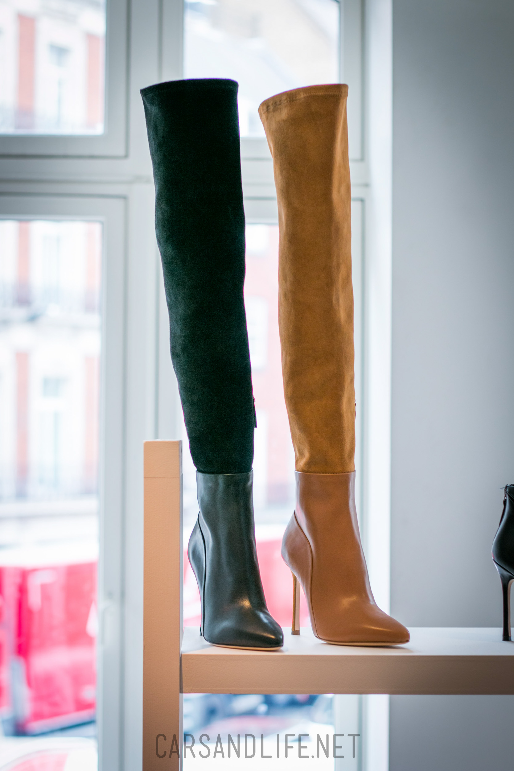 Ferrari California T >> Chelsea Paris High Heels