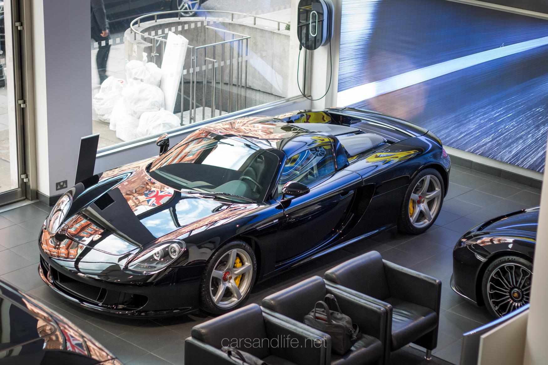 Porsche 918 Spyder And Porsche Carrera Gt In Mayfair London