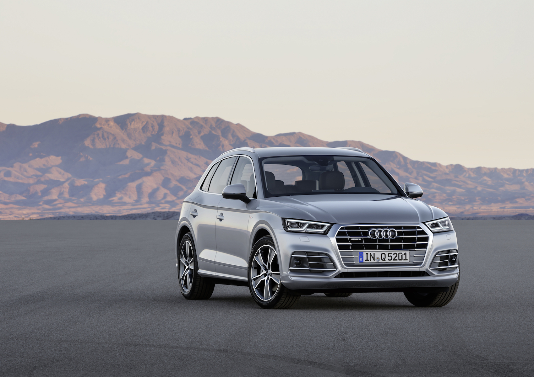 the new audi q5 cars and life. Black Bedroom Furniture Sets. Home Design Ideas