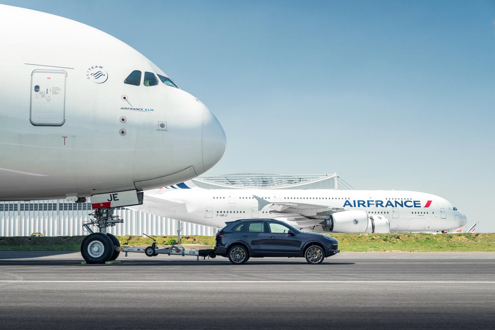 Porsche Cayenne Tows An Airbus A380 Cars Amp Life