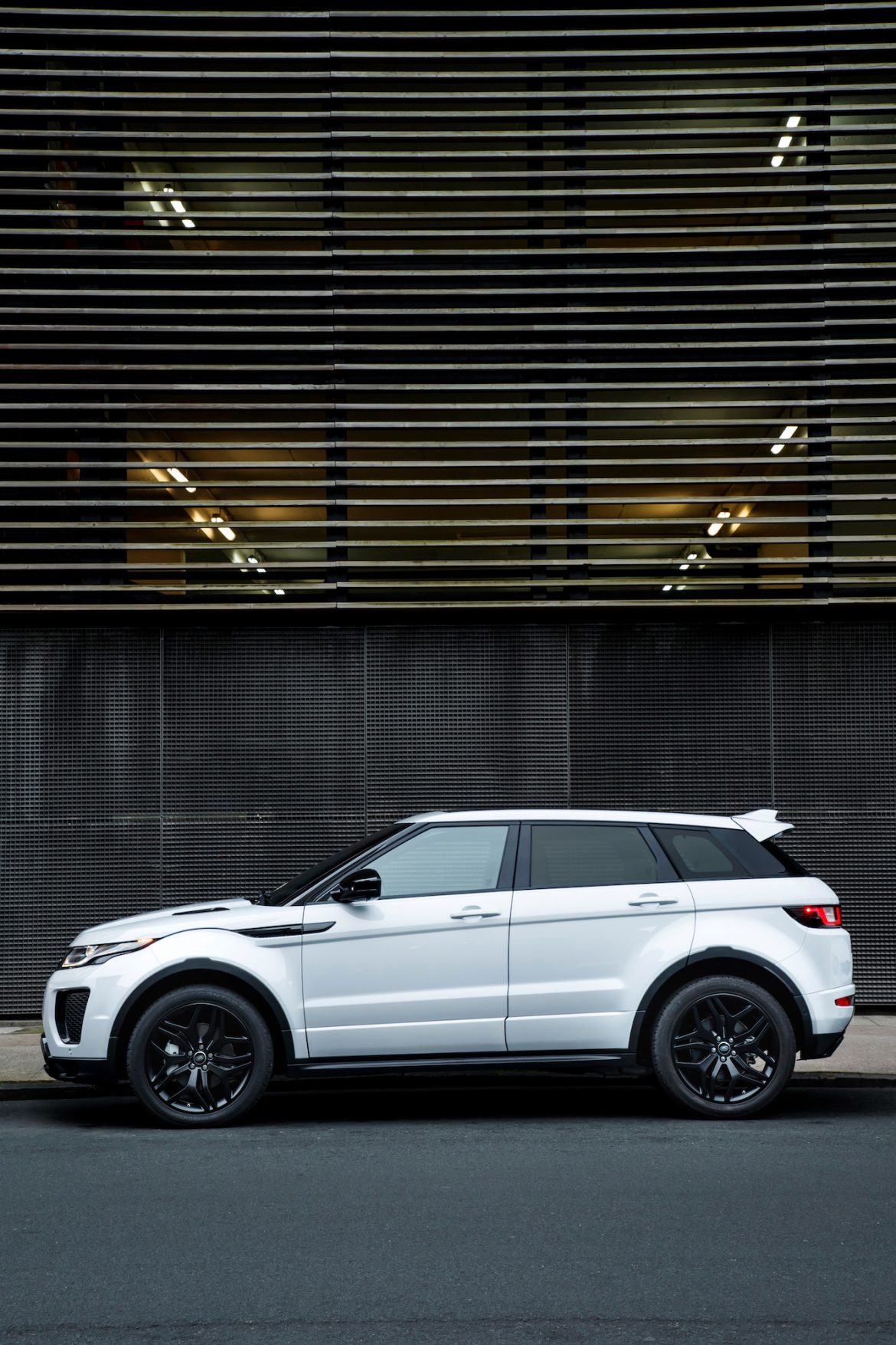 range rover evoque speed bump ad cars life cars fashion lifestyle blog. Black Bedroom Furniture Sets. Home Design Ideas