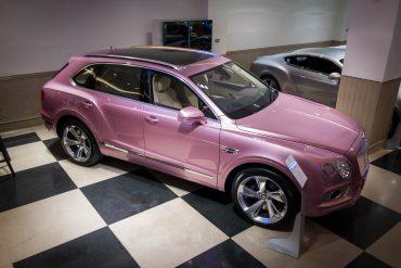 Bentley Bentayga Pink